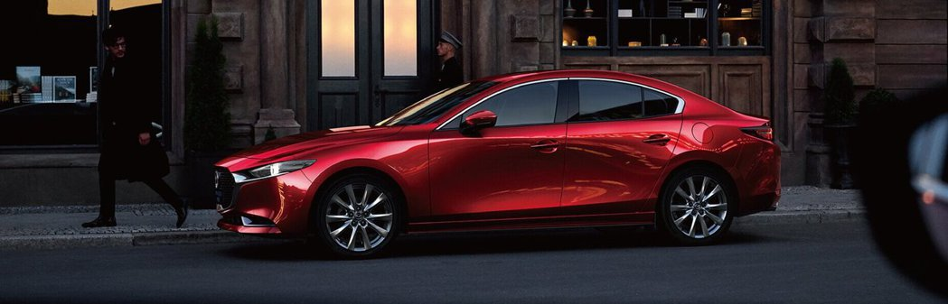 Mazda3近期接連被評選為泰國年度汽車及2019年世界女性年度風雲車大獎。 圖...