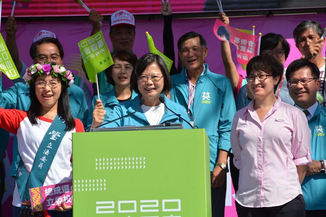 蔡英文總統23日到花蓮,再提「0到6歲國家跟你一起養」育兒津貼加碼政策。記者王燕華/攝影