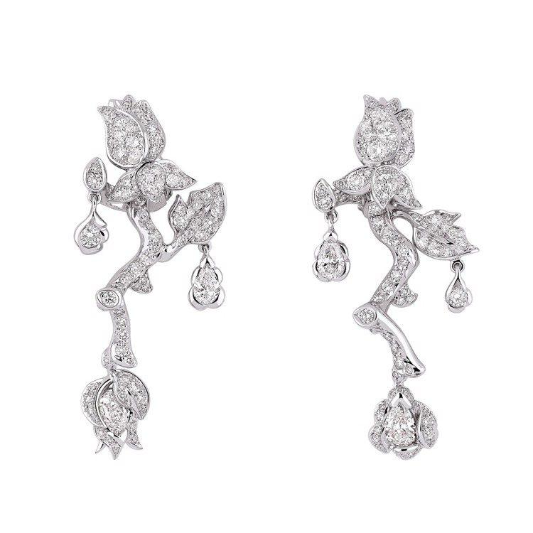 ROSE DIOR BAGATELLE玫瑰白金鑽石耳環,約160萬元。圖/DIO...
