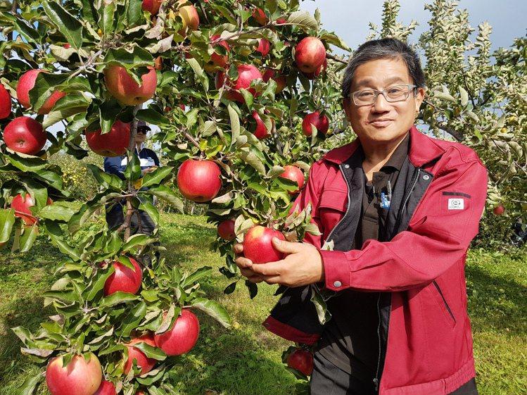 片山壽伸奉行「要種好吃又有內涵的蘋果」的蘋果哲學。記者何雅玲/攝
