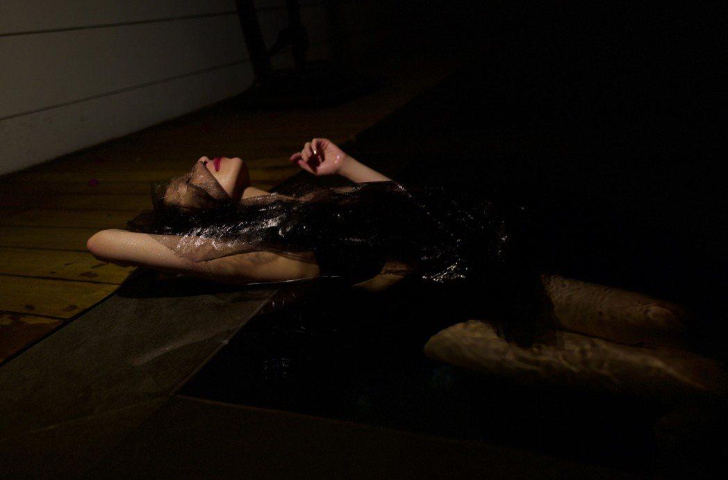 蕭亞軒將推出新專輯「Naked Truth」。圖/經紀公司提供