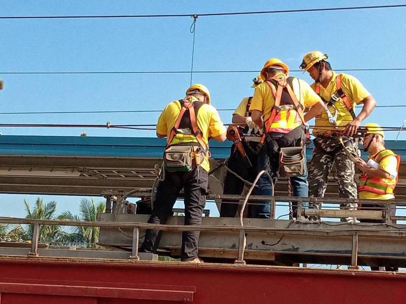 南迴鐵路電氣化工程。圖/交通部提供