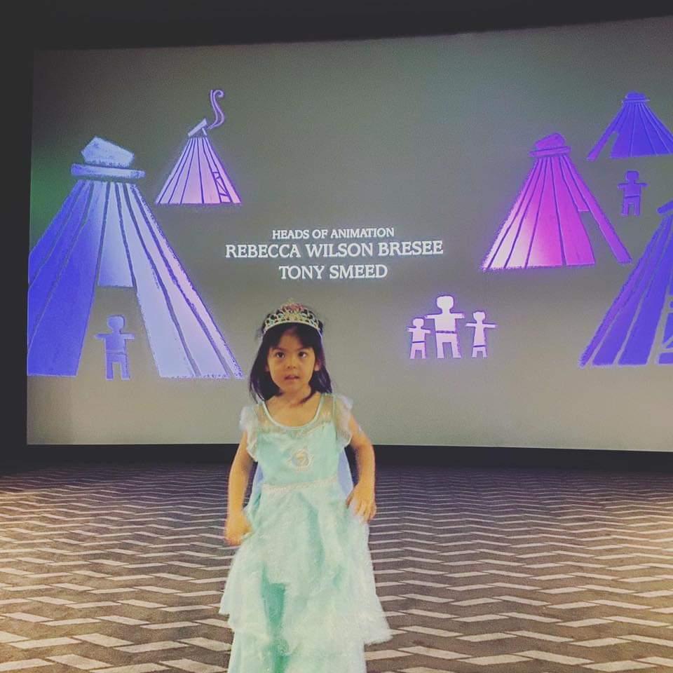 Bo妞扮成小公主。圖/摘自臉書