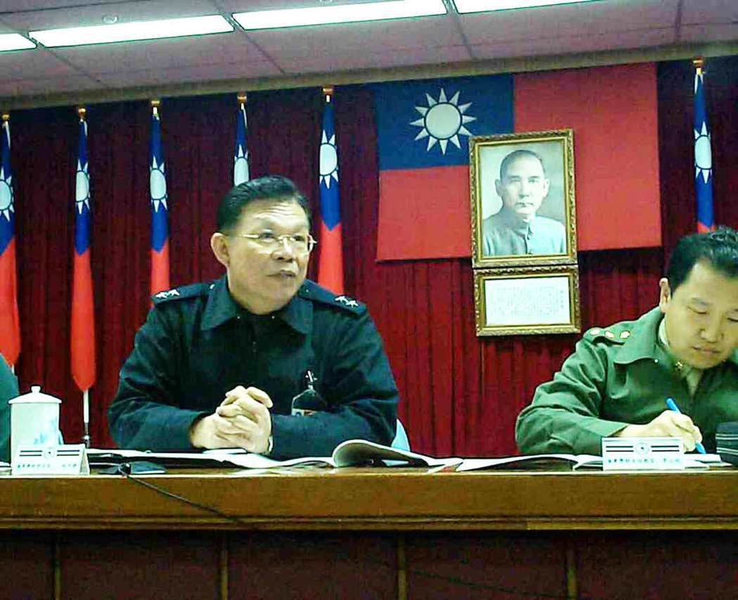 近年捲入共諜案將領中,官階最高的是以教準部司令退伍的中將柯政盛(左)。圖/聯合報...
