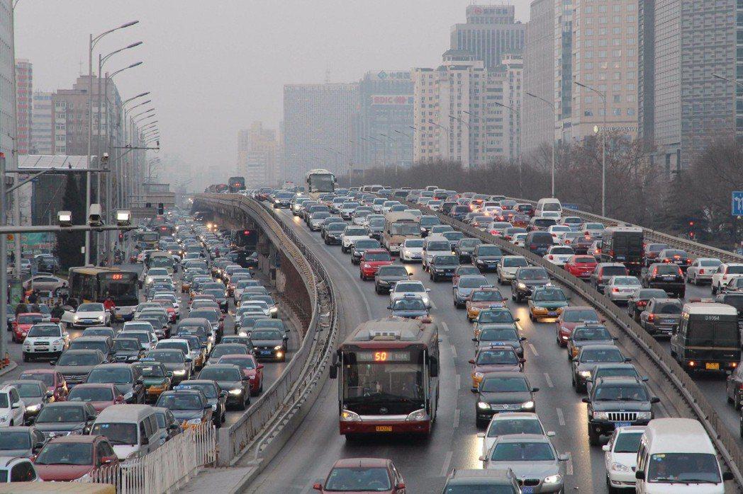 北京的堵,是難以想像的。圖╱取自新華社