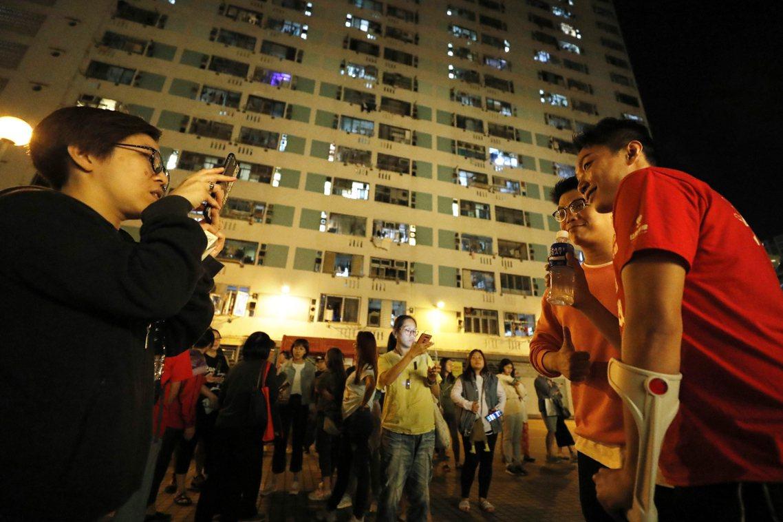 「這是香港人的勝利!這是還年輕人的公道!」在反送中示威中,不斷遭建制派攻擊個人性...