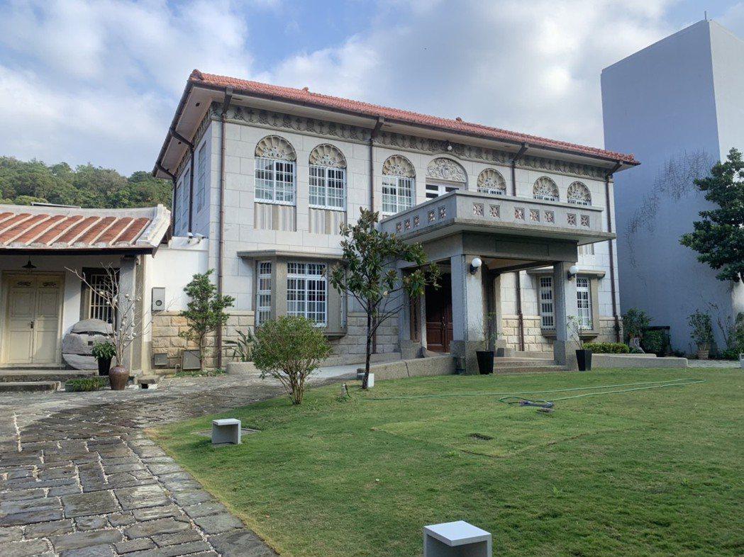 北埔老街附近有相當多古蹟,如超過180年歷史的慈天宮、金廣福公館、忠恕堂、姜阿新...