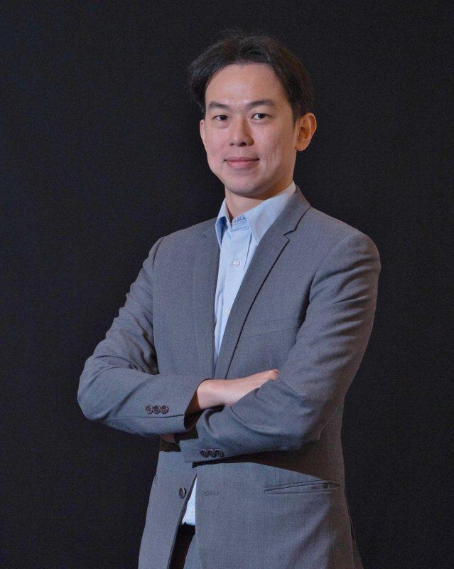菁英魔法科學教育(股)公司創辦人周代祥,過去是擁有獎項光環的魔術師。 業者/提供