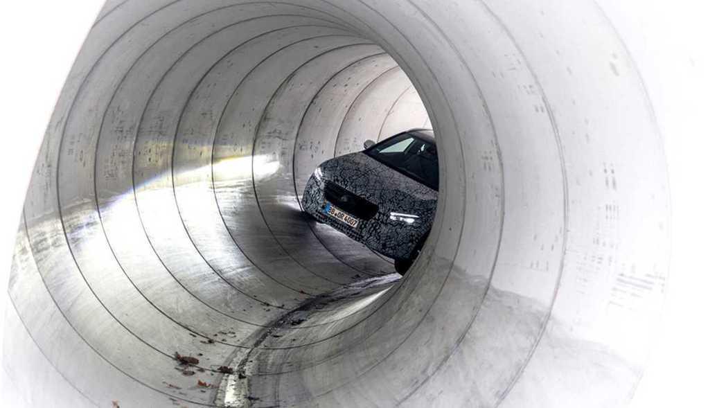 作為Mercedes-Benz第2代NGCC最後一位成員,跨界休旅GLA備受期待...