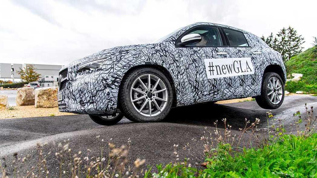 全新GLA官方釋出圖片強調越野硬實力。 圖/Mercedes-Benz提供
