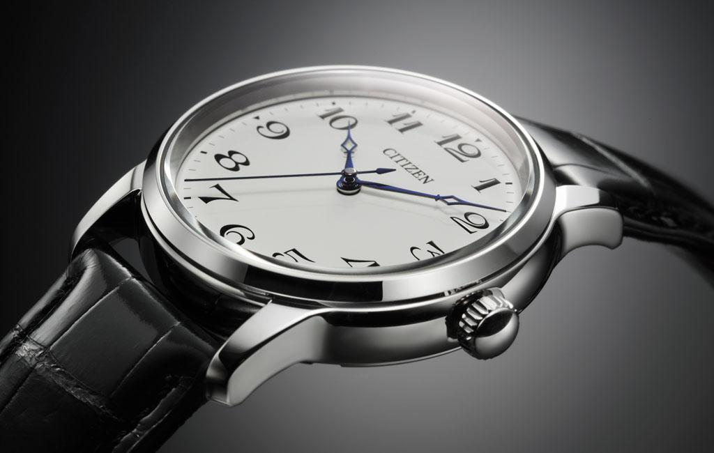 CITIZEN與GINZA TANAKA聯名腕表,除了鉑金表殼,採用了雙球面防眩...