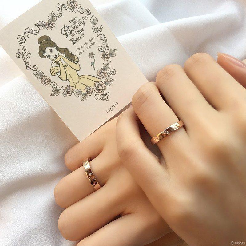 「美女與野獸」對戒,上面有野獸的爪痕。圖/摘自LLOYD IG