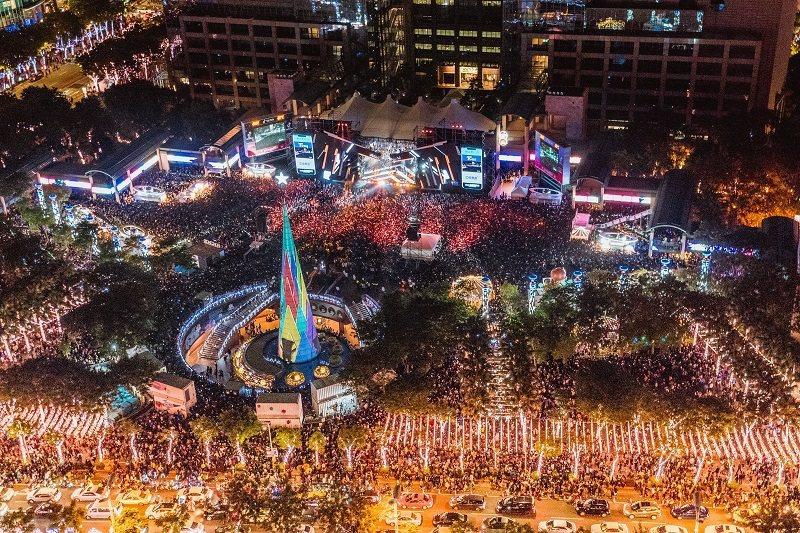 預計今年巨星耶誕演唱將再度吸引滿滿人潮。圖/新北市政府觀光旅遊局提供