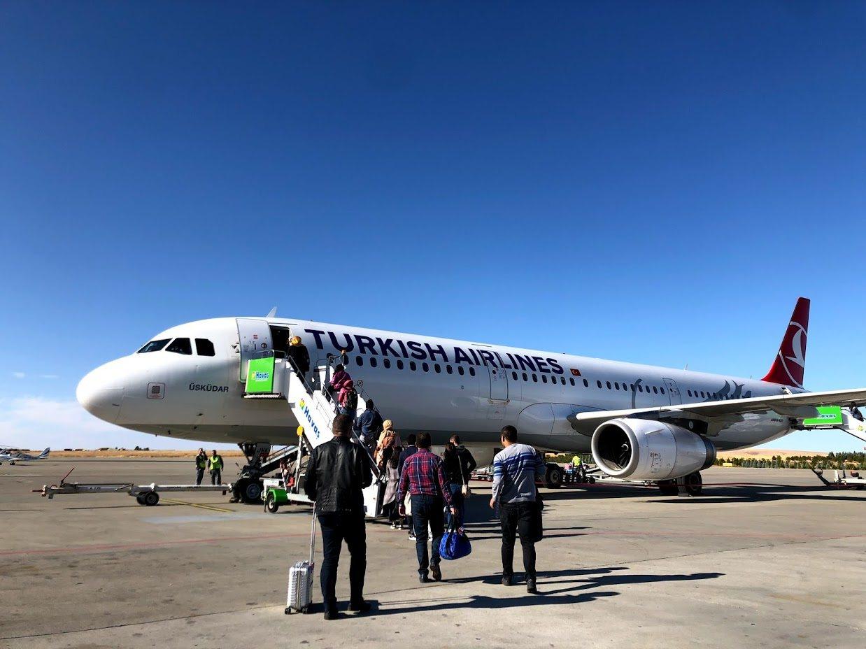 搭飛機時得要先留意,哪些用品可帶上機,哪些得放在托運行李。記者魏妤庭/攝影