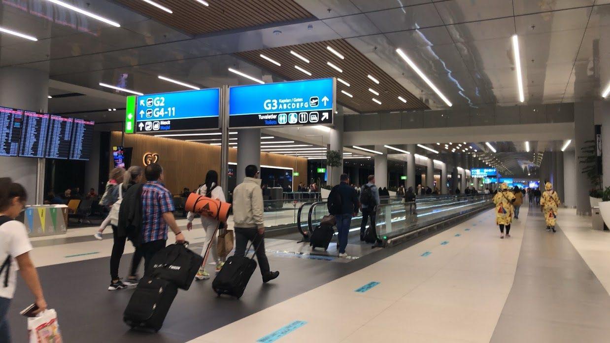 行動電源或打火機需放置手提隨身行李,不得放在托運行李中。記者魏妤庭/攝影