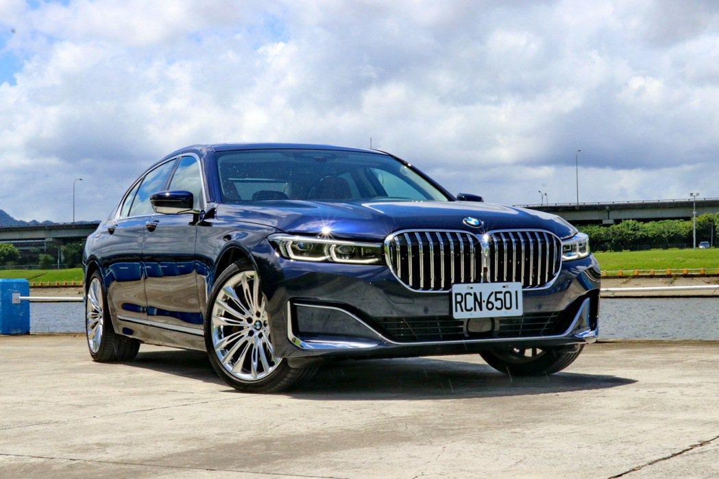 BMW 7系列是許多大老闆們的指定座駕。 記者陳威任/攝影