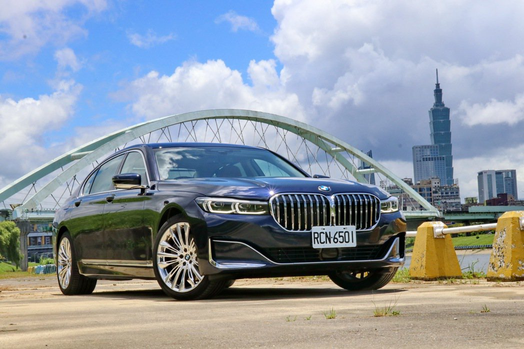 BMW 750Li xDrive。 記者陳威任/攝影