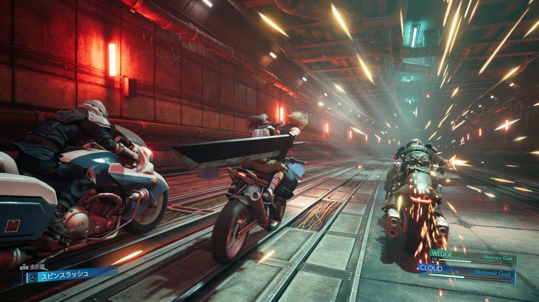 載著潔西逃離神羅追兵的摩托車戰