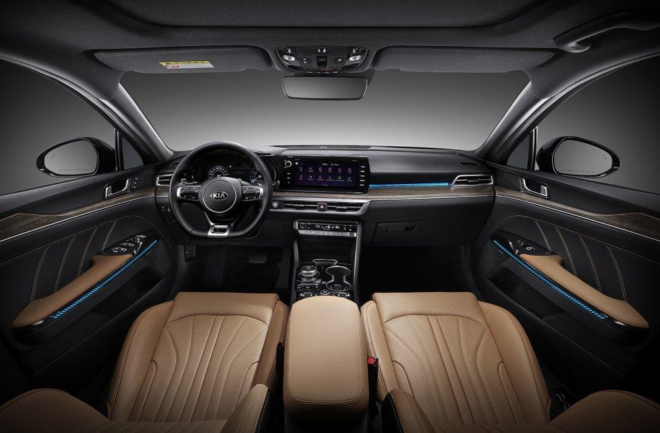 新世代Kia K5內裝質感大幅提升。 摘自Kia