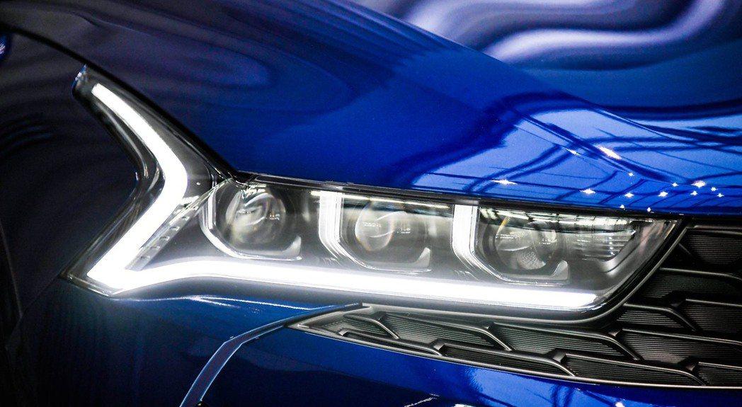 第三代Kia K5使用全新的DRL日行燈,猶如心電圖的圖象。 摘自Kia
