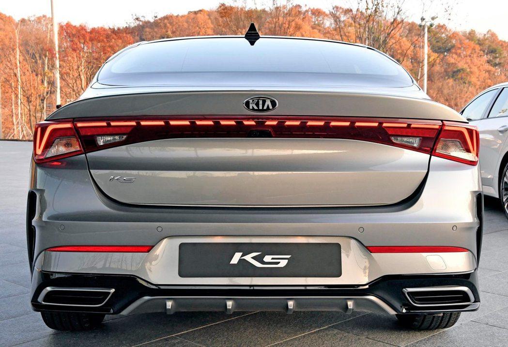 第三代Kia K5。 摘自Kia
