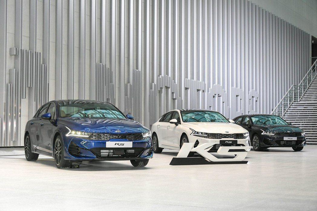 第三代Kia K5在開放預售的三天內,就已在韓國收穫破萬張的訂單。 摘自Kia