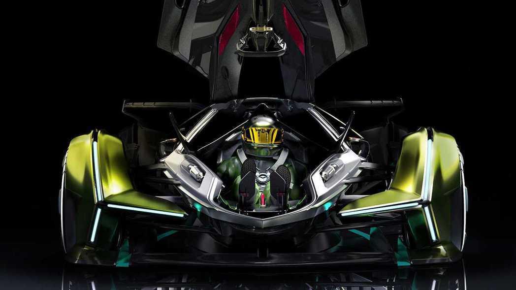 玻璃向上開啟的方式讓駕駛員必須從車頭進入座艙。 摘自Lamborghini