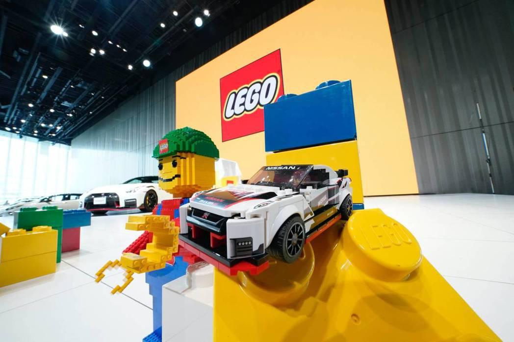 恰逢傳奇跑車GT-R誕生50周年之際,知名玩具積木品牌樂高LEGO也用自己的方式...