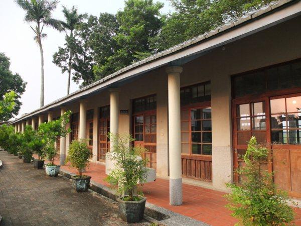 建校已超過百年歷史的後壁樹人國小,有一排飄散日式風情的舊校舍,引人注目!
