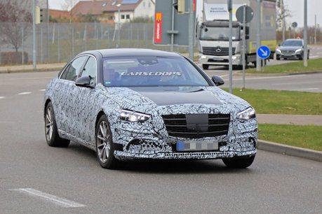 大改款Mercedes-Benz S-Class卸除更多偽裝 有亮點出現了!