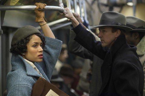 「布魯克林孤兒」故事的主人翁萊諾艾斯洛(艾德華諾頓 飾)是一名患有妥瑞症的私家偵探,他的恩師法蘭克米納(布魯斯威利 飾)遭到謀殺,激發他踏上改變人生的冒險旅程。在他潛入紐約市背後黑暗的權力核心設法破...