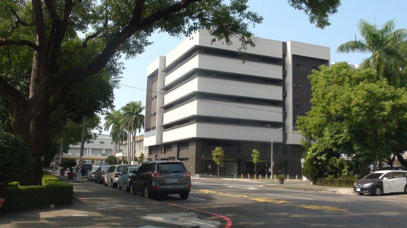 光寶科技旗下工業自動化事業部裁員百人,示意圖為楠梓園區的綜合大樓。記者王昭月/攝影