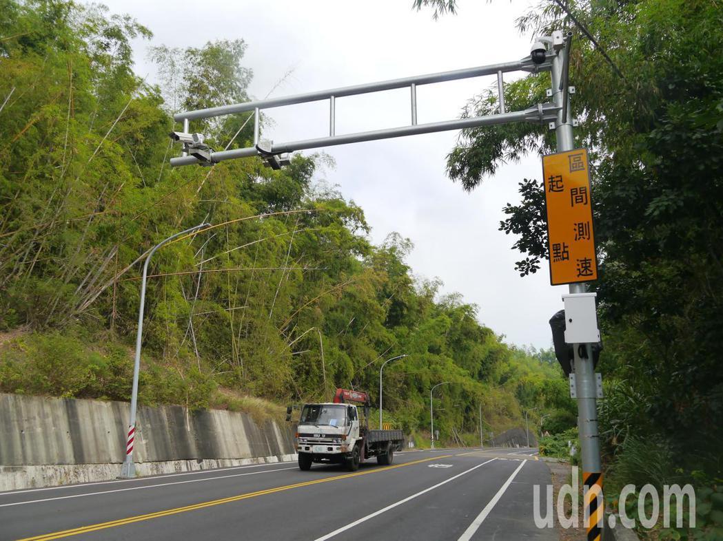 高182道路28.6公里處已經接近高雄與台南接轄處,若從台南往高雄行駛,此處路段...