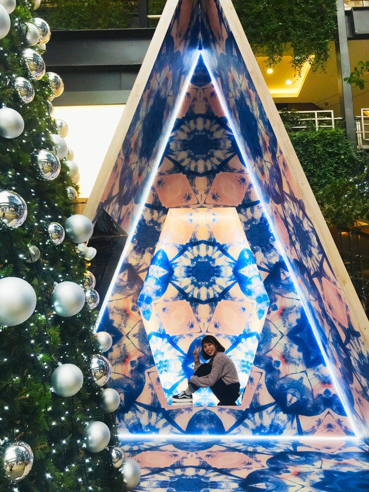A11萬花筒耶誕樹屋。記者江佩君/攝影