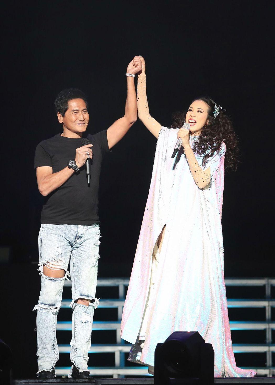 莫文蔚日前北京開唱,嘉賓請到齊秦擔任,首唱合唱新歌「可惜了」。圖/莫家寶貝工作室