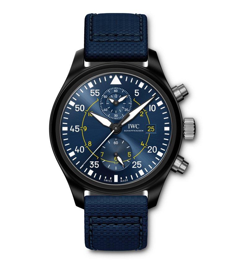 IWC,飛行員計時腕錶 「藍天使」特別版,具備黑色陶瓷錶殼、黃色刻度,機芯具備6...