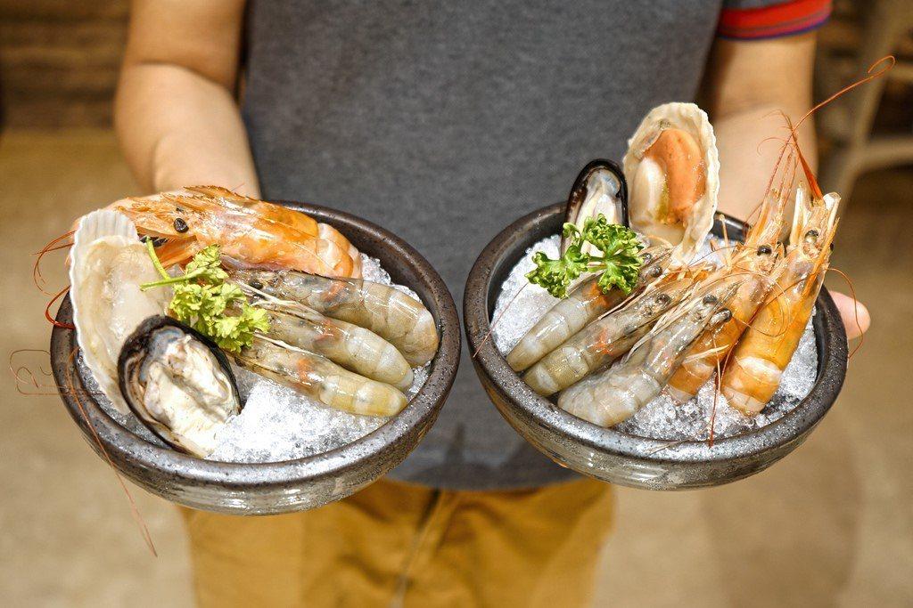 點主餐附贈的小豪華海鮮盤。 業者/提供