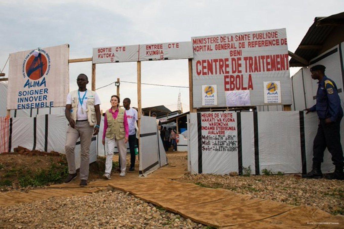 WHO表示,有鑑於剛果東部的騷亂狀況,組織已於26日下令「緊急疏散」49名前線的...