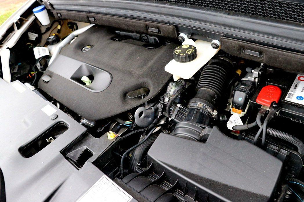 2.0 升BlueHDi柴油引擎。 記者陳威任/攝影