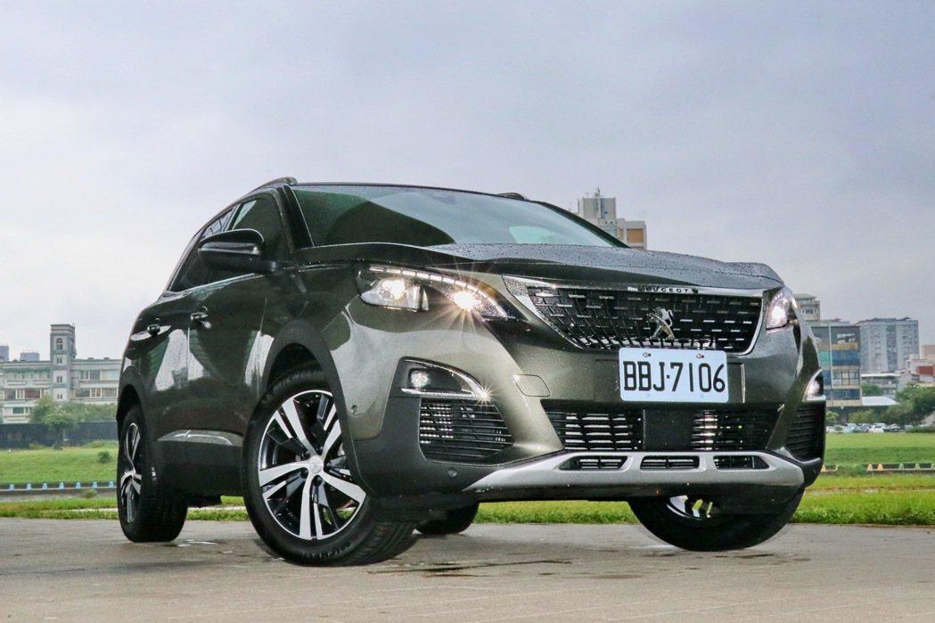 Peugeot 3008新增搭載1.6升缸內直噴渦輪增壓汽油引擎的車型。 記者陳...