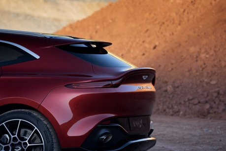 Aston Martin性能迷先等等!V12動力DBX超級休旅研發中?