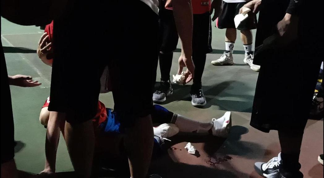老蕭打籃球再傳受傷意外。圖/華納音樂提供