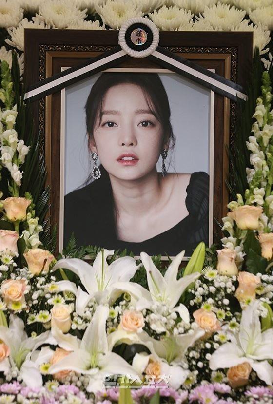 具荷拉24日輕生離世。圖/摘自韓國中央日報中文網