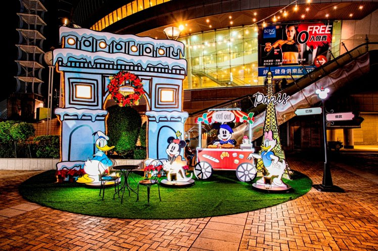 漢神巨蛋推出「米奇與好朋友」耶誕裝置,呈現歐洲城市主題造景。圖/漢神巨蛋提供