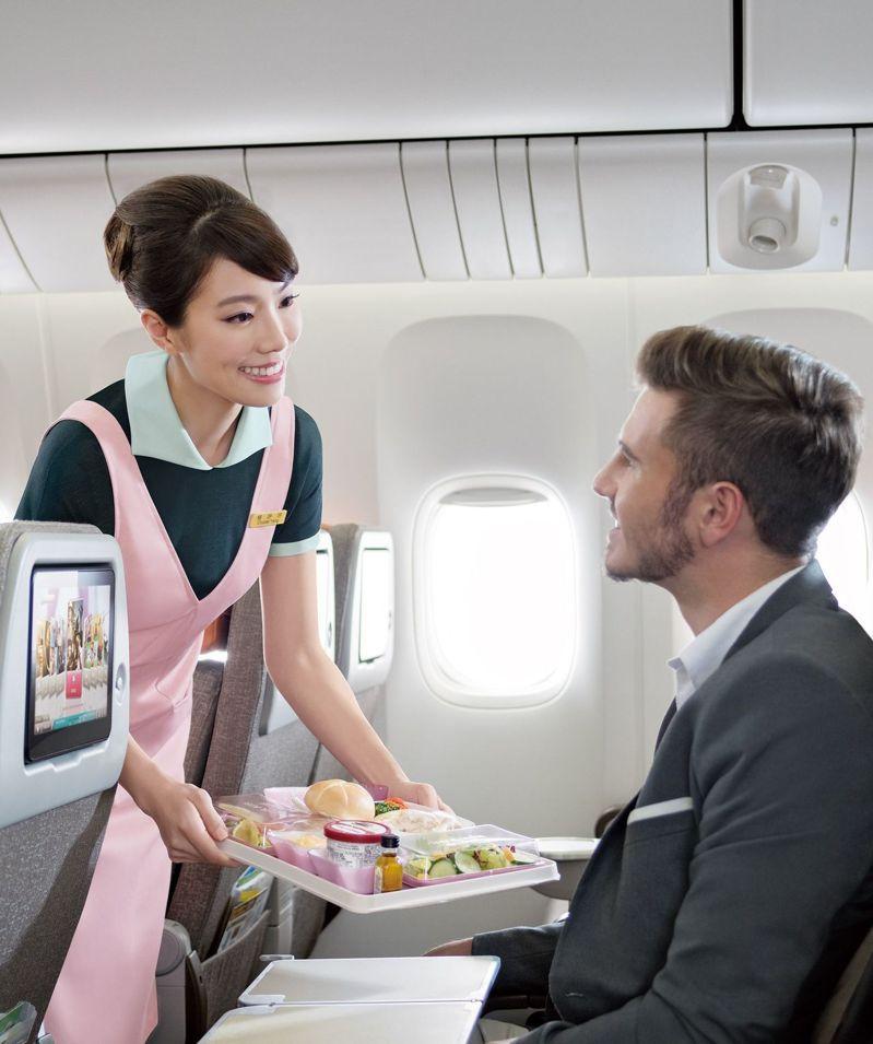 長榮航空今(27)日宣布,2020年4月2日開闢台北-普吉島航線,提供每周三班的飛航服務,為台灣唯一直飛普吉島的航空公司。 圖/長榮航空提供