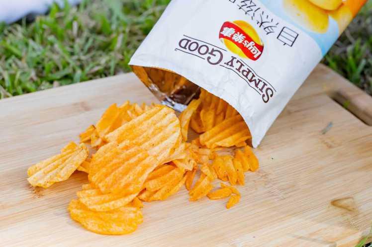 樂事選用黃金種薯為食材,口感酥脆帶勁。圖/樂事提供