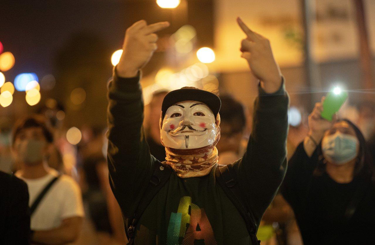 香港高等法院上訴庭拒絕政府就禁蒙面法的暫緩執行令申請,並宣布下月9日開庭審理此案...