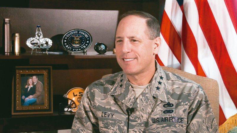 美空軍中將李維遭控對軍中同袍言語霸凌,降階後退伍。 圖/取自美國空軍時報網站