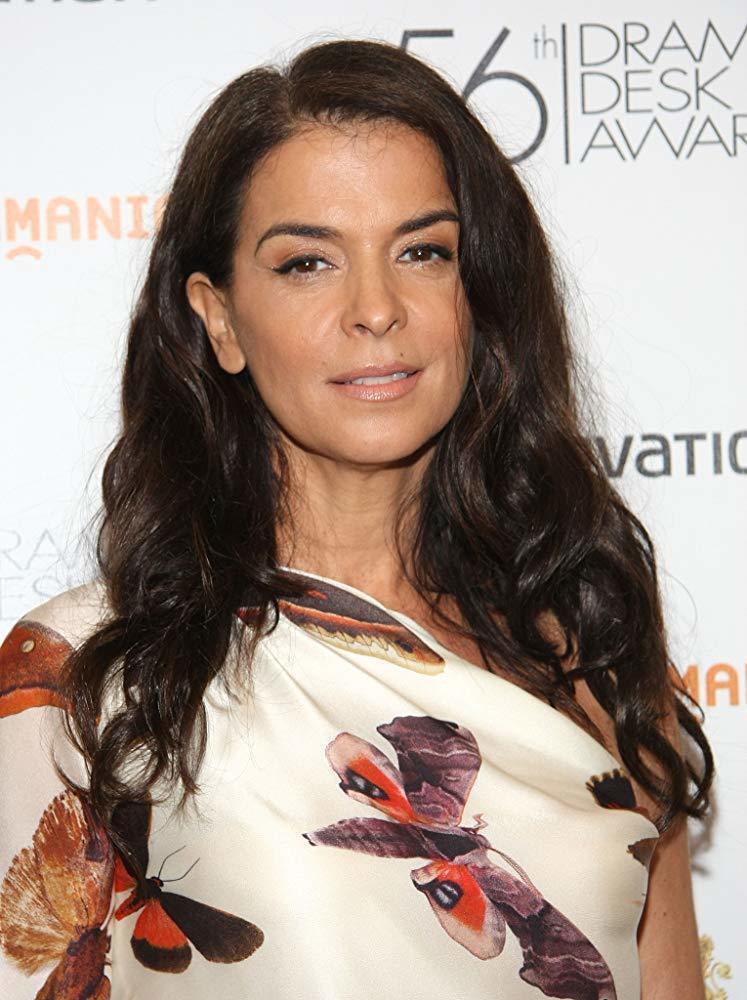 安娜貝拉席歐拉,可為好萊塢前金牌製片哈維溫斯坦被控性侵案出庭作證。 圖/擷自IM