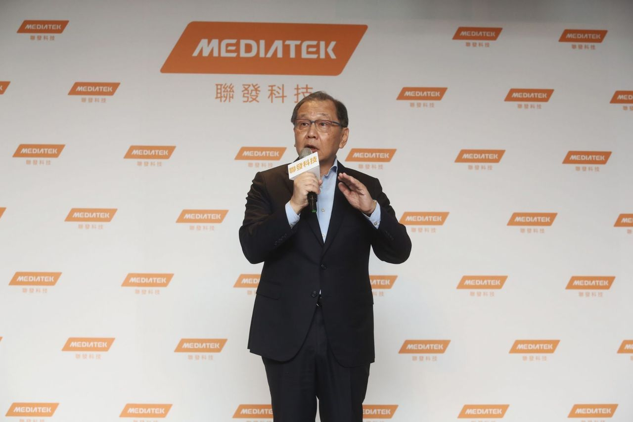 聯發科執行長蔡力行昨天表示,未來將推出一系列5G手機專用晶片,從高階旗艦機種至中...